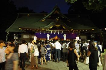 大國魂神社拝殿(2016年7月20日).jpg