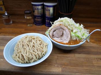 小つけ麺辛いのブタ1枚ヤサイマシマシ(2016年5月29日)その3.jpg