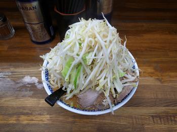 小ラーメン(ヤサイニンニクマシマシ2015年11月)その2.jpg