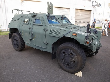 軽装甲機動車.jpg
